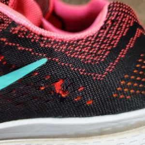 Nike Shoes - Nike Zoom Structure 18